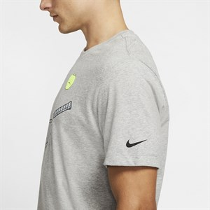 Футболка мужская Nike  855279-010  fa18