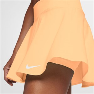 Футболка женская Nike  728757-499  sp17